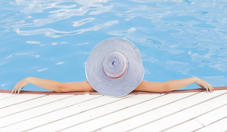 HOW TO VACUUM THE POOL PERFECTLY?