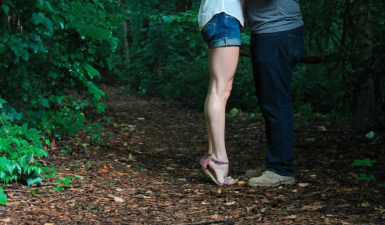 7 WAYS MEN CAN GO FROM SINGLE TO HAPPILY IN A RELATIONSHIP