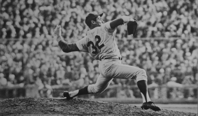 5 Remarkable Players in the Baseball Hall of Fame