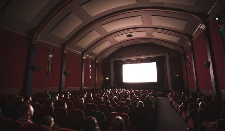 4 Steps To Having A Fun Movie Date Night With Your New Girlfriend